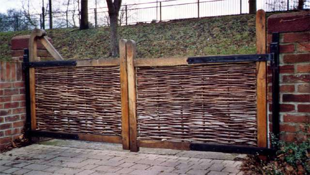 <span>Ref: F32</span><br>Oak framed drive gates with hazel infill, the left gate has a ranch top brace, 3' x 4' wide; left gate £480 and right gate £360 inc VAT.