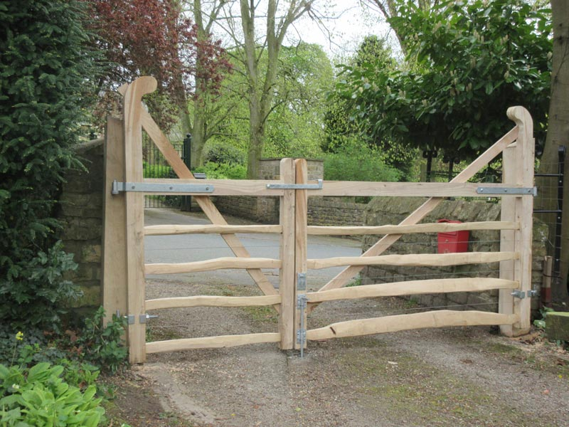 <span>Ref: F18</span><br>A pair of ranch top gates on a driveway, the smaller for pedestrian access, Lincoln, 4' x 4' and 6' wide; left hand gate £516 inc VAT, right hand gate £708 inc VAT.