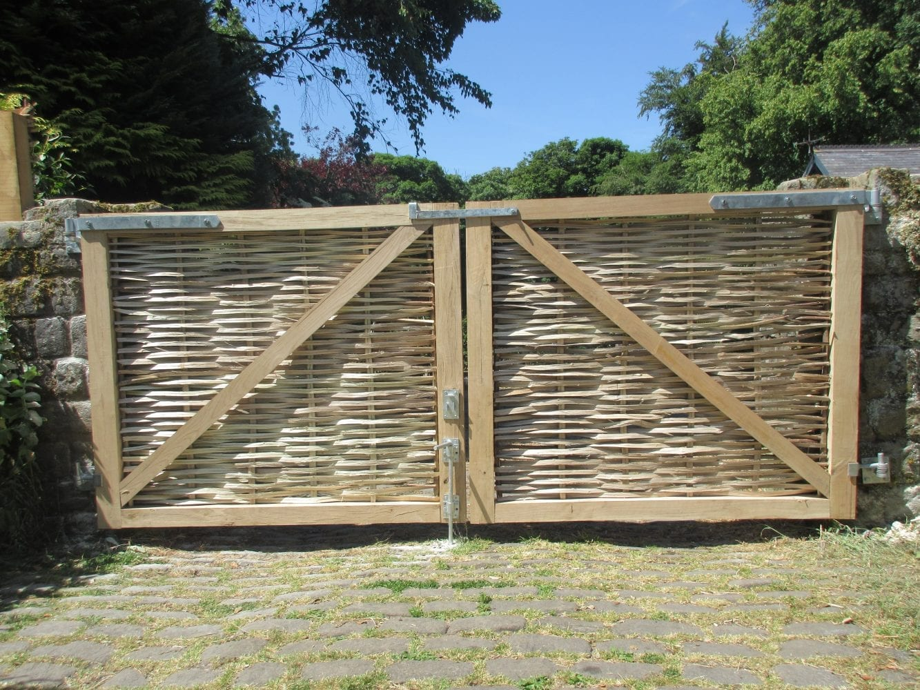 <span>Ref: F40</span><br>The reverse view of the previous gates showing the substantial oak frame and braces, with metal work included in price.